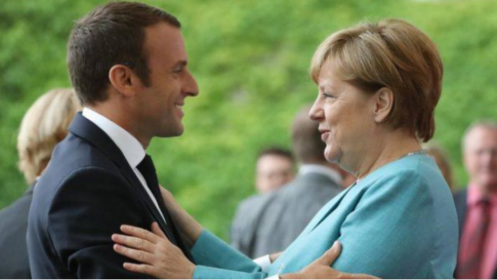 Macron, Merkel to sign a new Franco-German treaty of cooperation and integration