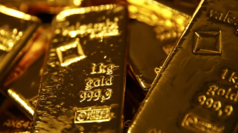 Gold surges to 7-year top as pandemic fears spark safe-haven rush