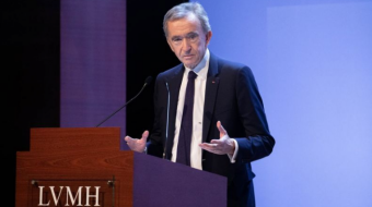 Billionaire Arnault Would Take Hit From Carrefour Stake Sale