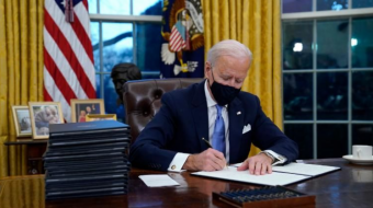 Amazon offers to help Biden with his COVID-19 vaccination goal